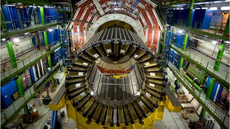 Particula lui Dumnezeu. Cercetătorii de la CERN anunţă că au descoperit cheia formării Universului