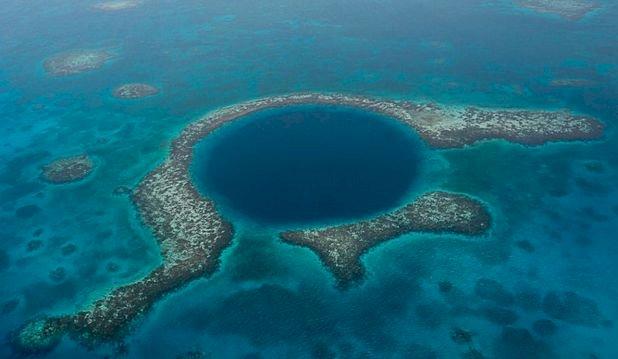 Misterul Găurii Albastre din Marea Caraibelor. Ce au descoperit aici cercetătorii?