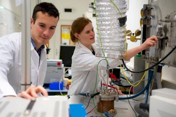 Agenția Spațială Europeană a reușit să extragă oxigen din praf selenar