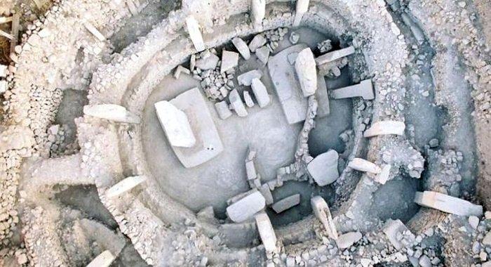 Un templu cu 6.000 de ani mai vechi decât Stonehenge
